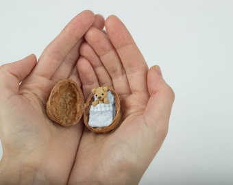 The smallest Teddy Bear (just 2.5cm!)