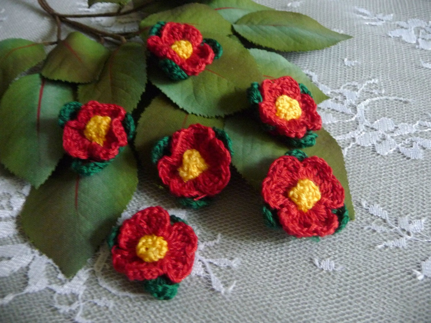 Sale Small Crocheted Red Flowers With Leaves Applique Handmade Etsy