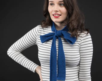 Royal BlueLambswool knitted skinny scarf