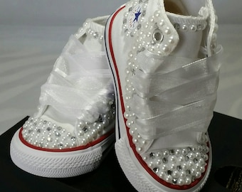 cec5bb7e6c3e Flower Girl Wedding Converse- Bridal Sneakers- Bling   Pearls Custom  Converse- Wedding Sneakers- Converse hochzeit- Kids Bling Converse