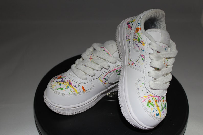 b8042ccc369e74 Custom Splatter Painted Air Force Ones Hand Painted Tennis