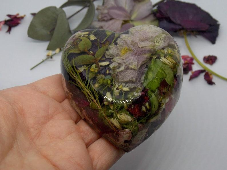 Wedding Keepsake Paperweight Heart Preserved Flowers Resin Paperweight Wedding Flowers Flower Paperweight