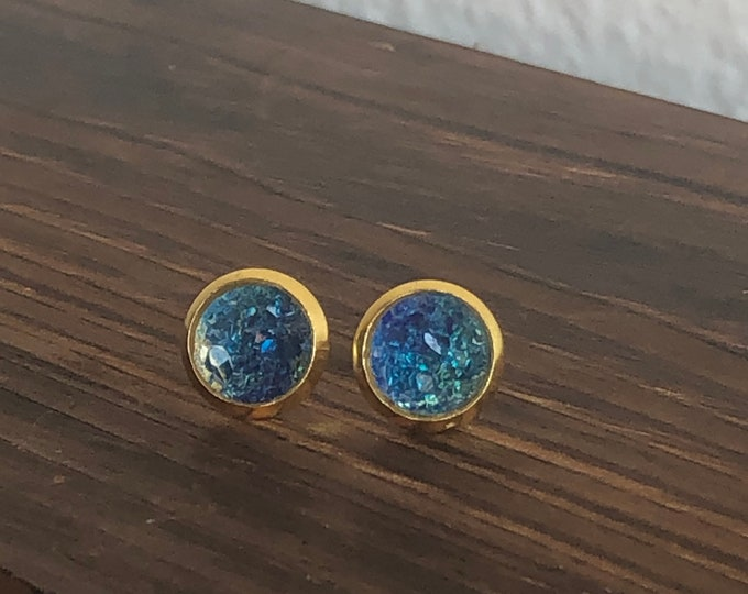 Zola Studs in Peacock