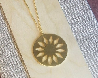 Stella Cut Out Necklace
