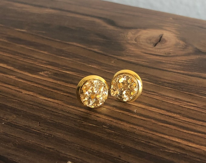 Zola Studs in Gold