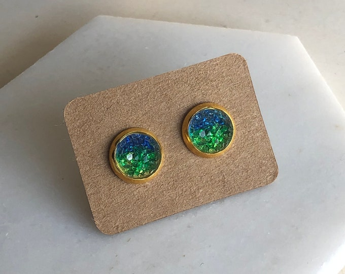 Zola Studs in Earth