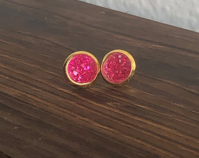 Zola Studs in Hot Pink