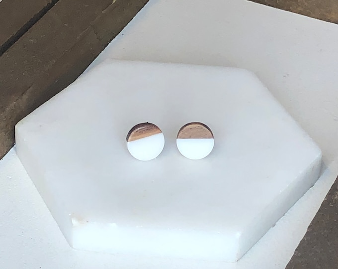 White Wood and Resin Studs
