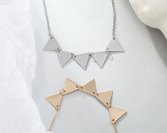 A Banner Year Necklace