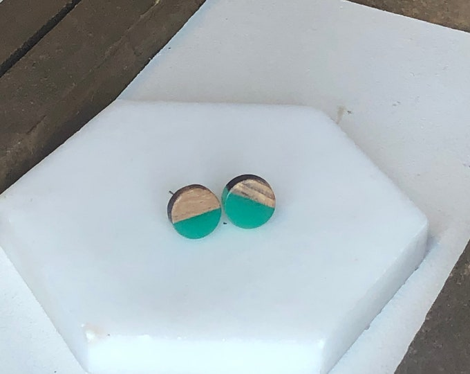 Green Wood and Resin Studs