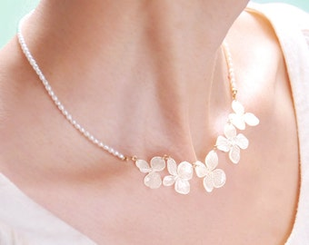 Real Flower Necklace of Hydrangea with Beautiful Vein, with Freshwater Pearls Chain
