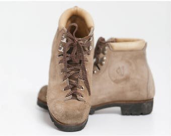 Vintage Size 38 Vasque Hiking Boots U2022 Womens 6.5 Suede Vasque Boots U2022  Mountain Hiking Boots U2022 Vasque #7504