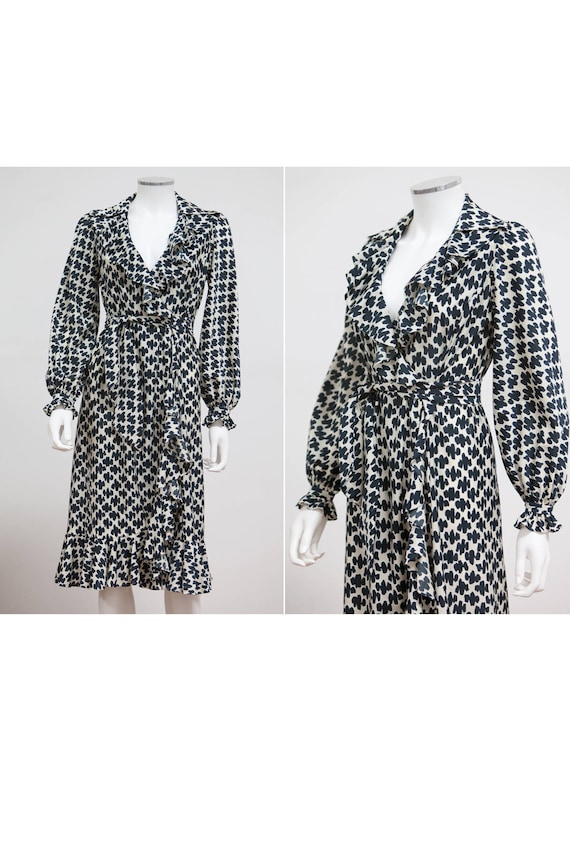 1970's Long Sleeve Wrap Dress • Size Small Wrap Dr