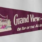 1940s-'50s era Felt Pennant Souvenir of the Grand-View Ship Hotel, Pennsylvania — Free US Shipping!