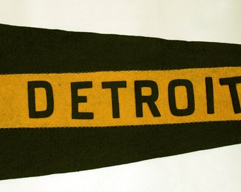 Early 1900s Swallowtail Felt Pennant Detroit -- Free US Shipping.