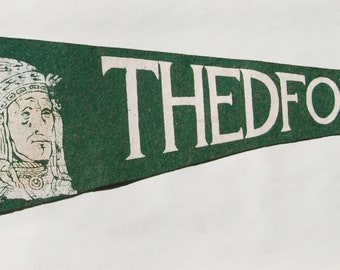 Vintage 1950s era Thedford ON Souvenir Felt Pennant — Free Shipping!