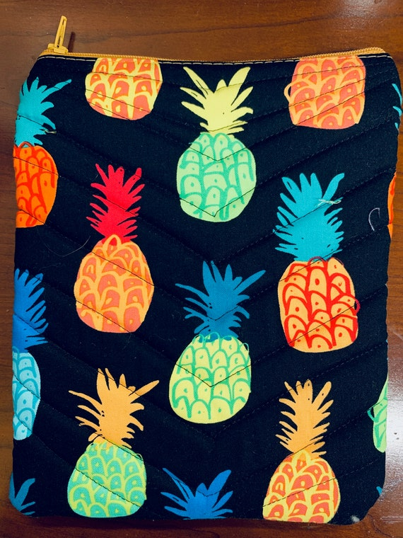 "Popping Pineapples 8"" Tablet Padded Zipper Bag (iPad Mini, Kindle, etc.)"