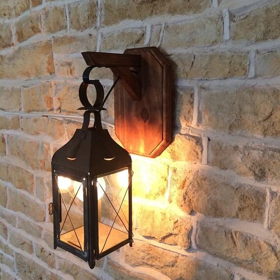 Rustic Vintage Wall Mounted Hanging Lantern Railway Coach Lantern Lamp Wood Oak Sconce