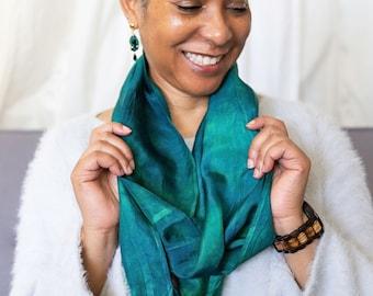 Dark green silk infinity scarf set. Deep green earrings. Mother gift tie dye silk scarf. Wedding scarf. Sister birthday present scarf mom.