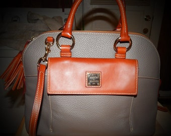 Beautiful Dooney & Bourke Purse For 50% Retail