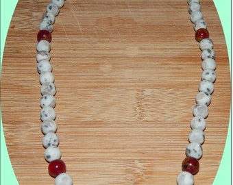 Beautiful Kiwi Moss Agate and Red Jasper Beaded Necklace