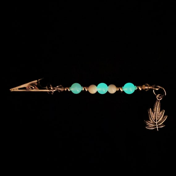 Marijuana Leaf Glow in the Dark Dangling Roach Clip White Silver Beaded