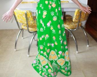 Vintage Honolulu Bright Green Day Dress/Dress With Pockets/ 1960's Vintage Dress/ Size Small Vintage Dress/Long Dress