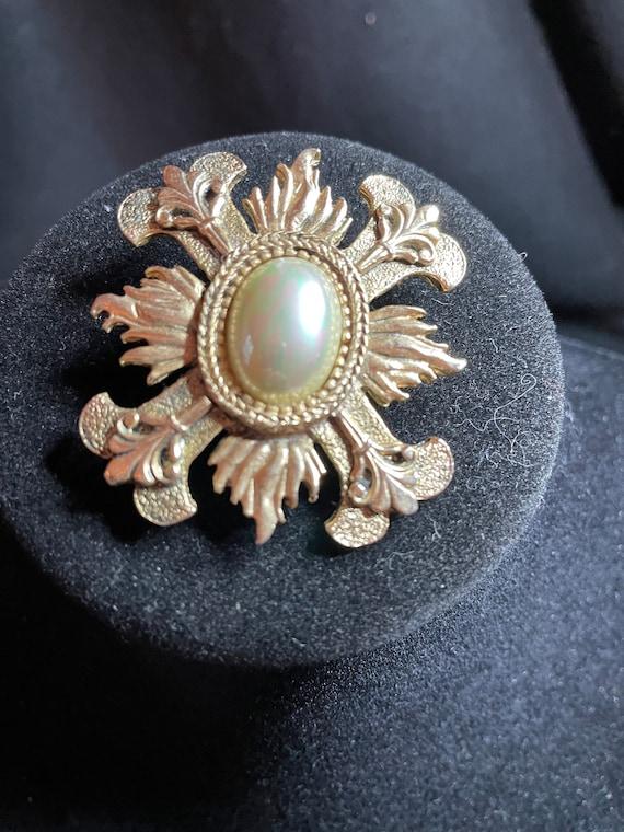 Vintage, BeautifuL, CAROLEE, Signed, Ornate gold … - image 2