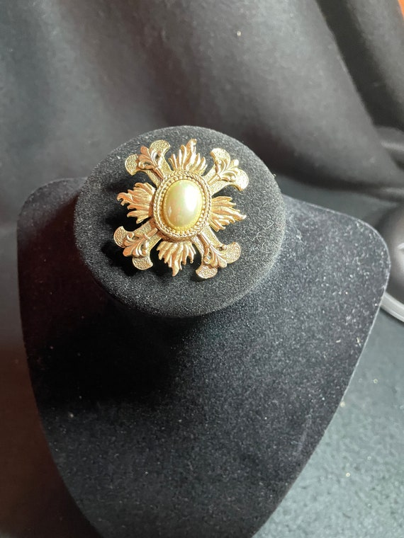 Vintage, BeautifuL, CAROLEE, Signed, Ornate gold … - image 1