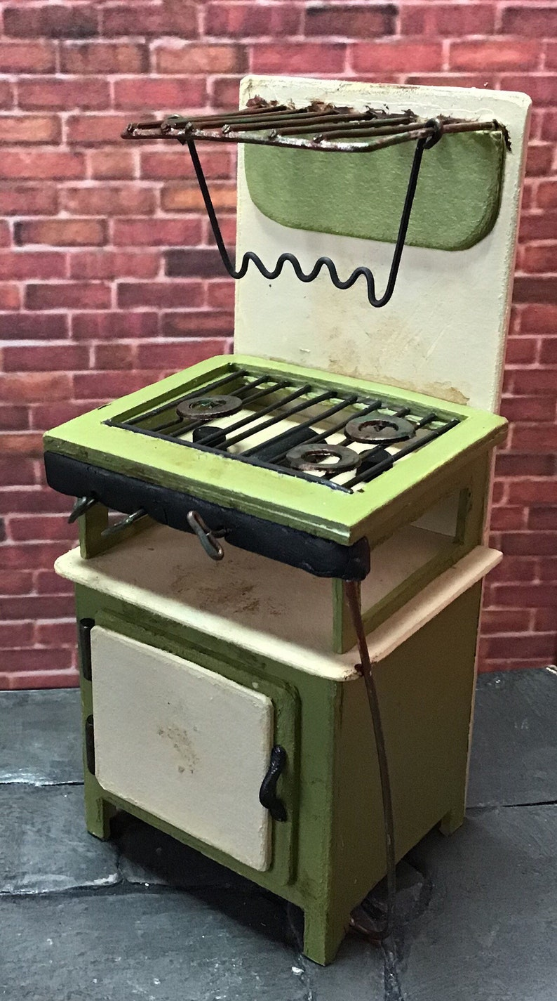 Artemis Artisan 12th Scale dolls house faux retro gas cooker