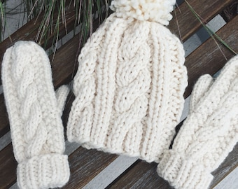 Cable Hat and Mitten Set // cream