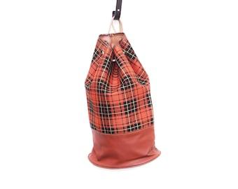Jahrgang Kordelzug Duffle Bag, braun orange Beige karierte retro Muster Meer Beuteltasche, lange Umhängetasche, 1970er Jahre Mode-Accessoire