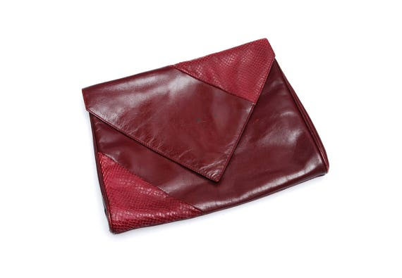 closer at kid top design Vintage clutch bag, envelope shaped wine red leather faux snake skin  patchwork handbag, push button, shoulder strap, 1980s fashion accessory
