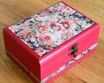 Jewellery/Keepsake/Decoupage/Rustic/Floral/Vintage/Shabby Chic/Decorative/Storage Wooden Box