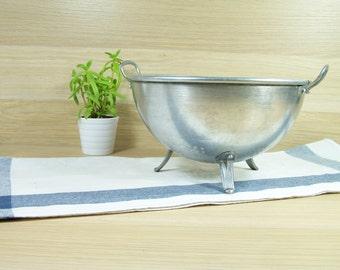 """Vintage colander diameter 8"""" aluminum tripod  1960 Made in France"""