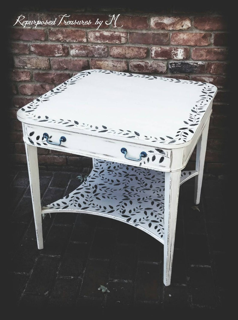 Excellent White Accent Table Distressed Acce Table Antique Accent Table Shabby Chic Table Distressed Accent Table Painted Table Side Table Home Interior And Landscaping Palasignezvosmurscom