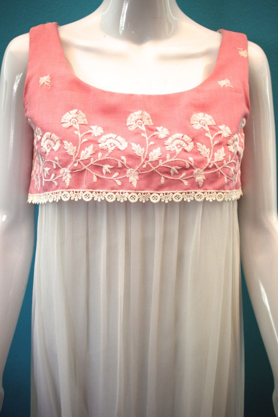 60's Prom Dress Mid-60's Pink And White Embroider… - image 3