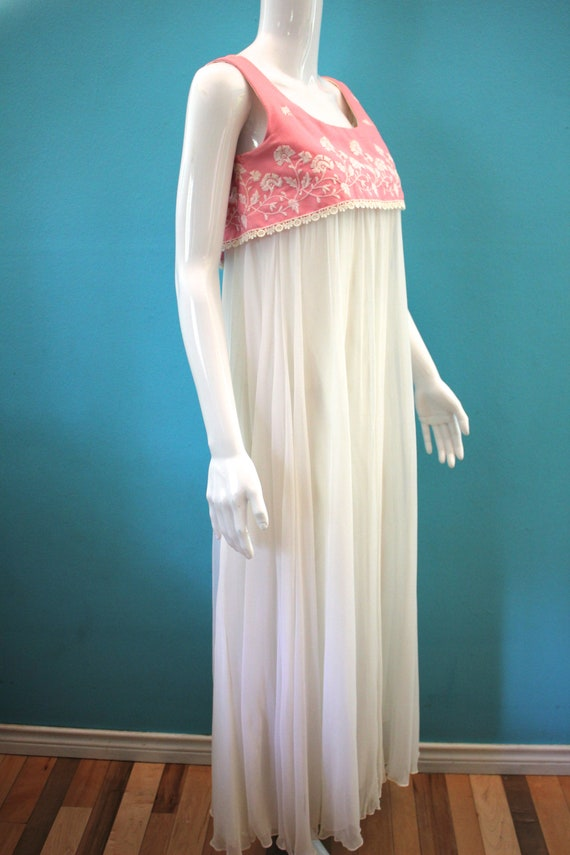 60's Prom Dress Mid-60's Pink And White Embroider… - image 4