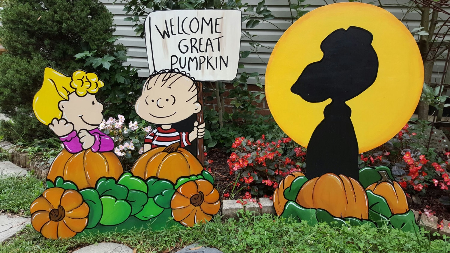 peanuts halloween charlie brown yard art decorations its the great pumpkin charlie brown halloween yard art
