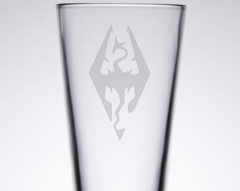 Skyrim Etched 16 oz Pub Glass Special Edition Remastered