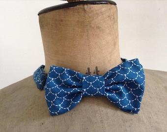 Bowtie men or women, fabric blue sushi cotton, adjustable neck, hook closure