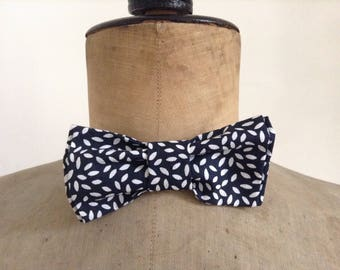 Bow tie, men or women, fabric grain blue and white rice, adjustable neck, hook closure
