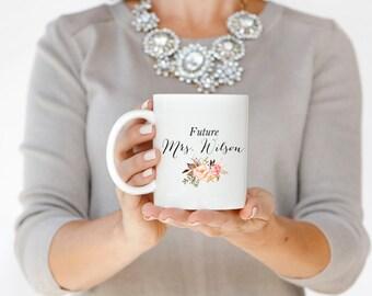 Future Mme Mug blanc Mug en céramique Mug tasse fiançailles tasse une tasse de café typographie tasse déclaration Mug cadeau de mariage mariée pour elle