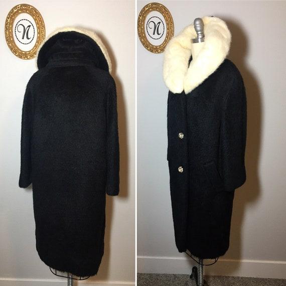 1960s vintage Lilli Ann coat - image 2