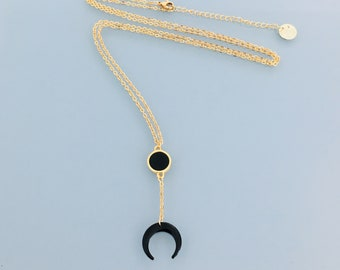 Black horn moon necklace, gold necklace, gilded jewel, golden necklace, jewelery gifts, woman gift idea, moon jewel, celestial necklace