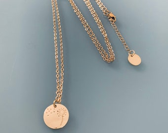 Clover necklace in gold-plated stainless steel, gold necklace, gold jewelery, clover necklace, woman jewel, woman gift idea, gold necklace