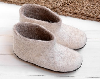 158b566e22798e Women slipper boots from wool felt