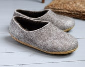 wool slippers- felted wool slippers- man wool slippers- wool clogs- boiled organic shoes- beige color slippers- house shoes
