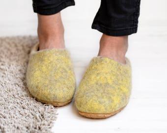 wool slippers- felt slippers- boiled wool slippers- flat woman slippers- home slippers- slippers- hygge clogs