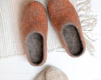 woman orange felt slippers- wool clogs- boiled wool slippers- felt house slippers- slippers with rubber sole- house shoes